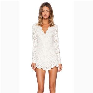 Alexis White V-Neck Lace Long Sleeve Romper Manolo